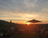 Openair Maximal Regional: Menü, Wein & Spontantheater